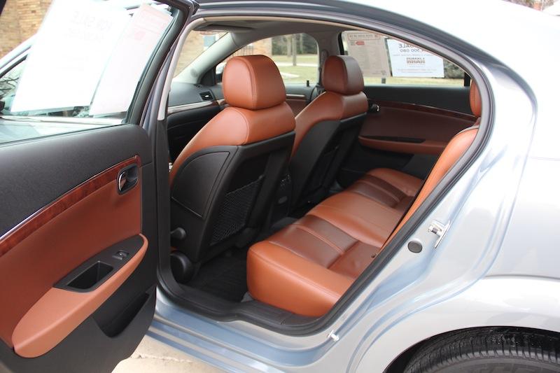 2009 Saturn Aura XR V6 C Charles Hahn
